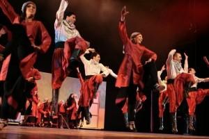 Dancing Dabke